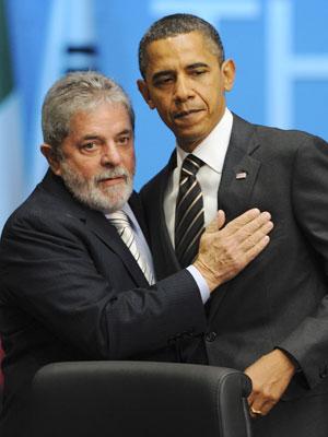 Lula e o presidente dos EUA, Barack Obama, se cumprimentam na sessão plenária do G20