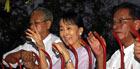 Nobel da Paz é libertada em Mianmar (afp)