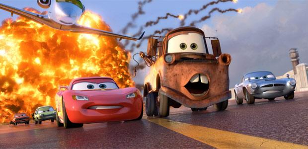 Primeira imagem oficial da animação 'Cars 2', de John Lasseter e Brad Lewis. Material foi divulgado pelo site HeyYouGuys.co.uk. Previsão de estreia do longa é para junho de 2011.