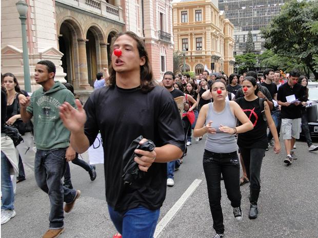 Estudantes protestam contra o Enem em Belo Horizonte.