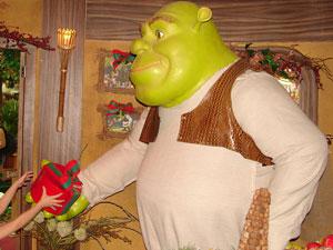 Shrek recepciona visitantes em Casa da Árvore