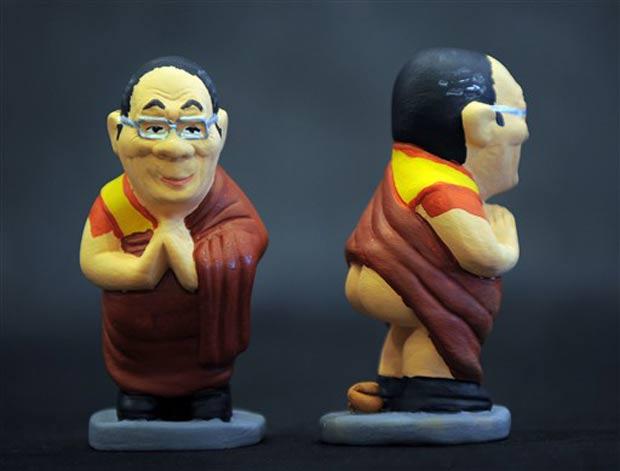 Dalai Lama também ganhou sua versão.