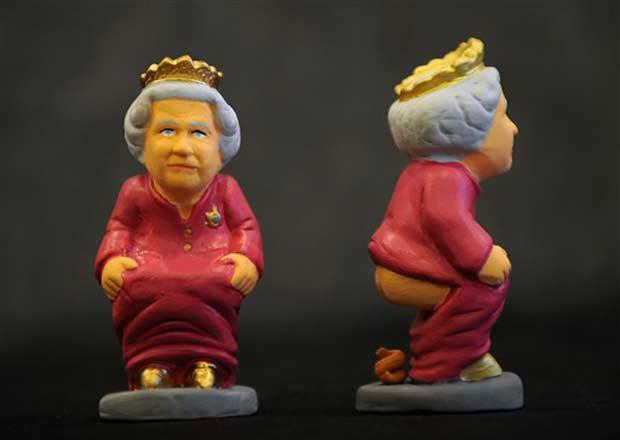 Caganer em homenagem à Rainha Elizabeth II.