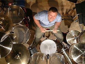O baterista Carl Palmer