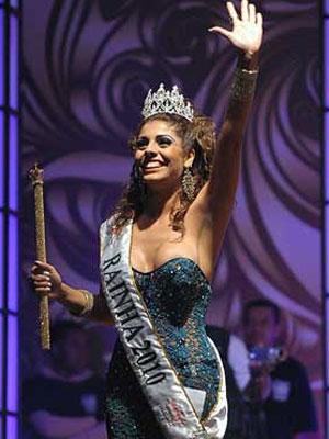 Deborah Xavier Caetano, a atual rainha do carnaval de SP