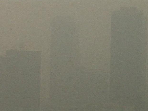Poluição cobre Pequim nesta sexta-feira (19).