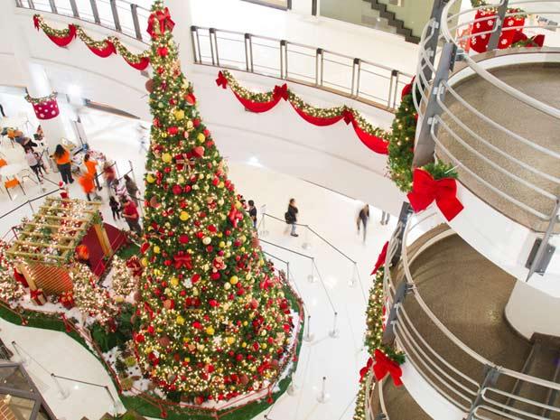 Decoração de Natal no West Plaza