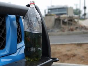 Gasolina que teria sido usada nos ataques aos carros no Rio