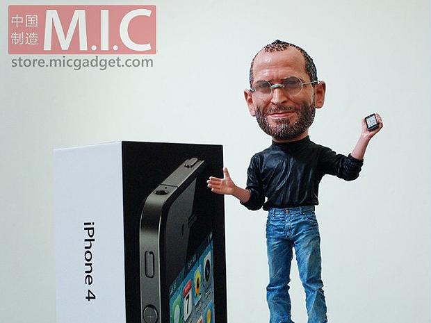 Boneco de Stevwe Jobs foi um sucesso e vendeu mais de 300 unidades. Apple não gostou e pediu para blog tirar do ar a divulgação do que seria presente de Natal para os geeks de plantão.