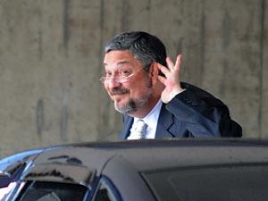 O deputado federal Antônio Palocci (PT-SP) no dia 16 de novembro, antes de reunião da equipe de transição