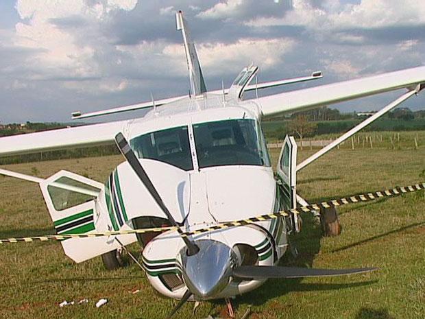 Avião fez pouso de emergência no interior de São Paulo.
