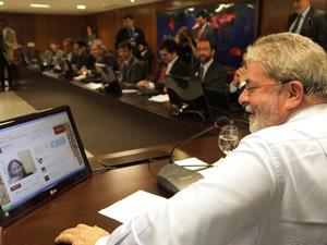 Presidente Lula durante entrevista a blogueiros, no Palácio do Planalto