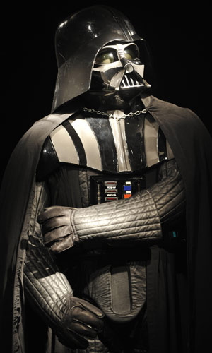 Uniiforme completo de Darth Vader, que vai a leilão nesta quinta-feira