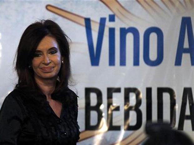 Presidente argentina, Cristina Kirchner, na cerimônia para oficializar o vinho como bebida nacional em Buenos Aires.
