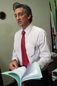 Delegado Renato Felisone com o inquérito concluído