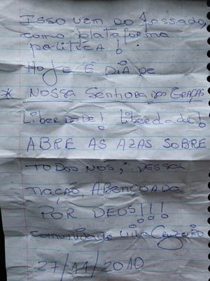 Carta entregue por moradora elogia as operações na Penha