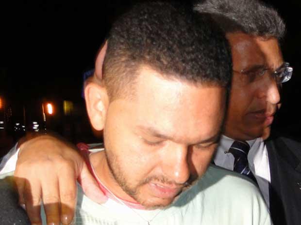 Flávio Caetano de Araújo disse que queria ver o filho e a mulher.