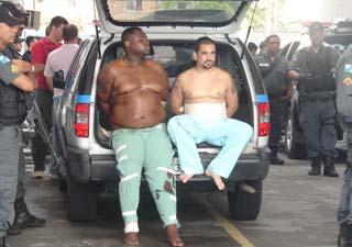 Suspeitos foram feridos quando tentaram furar cerco, diz polícia