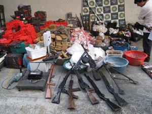 Drogas e armas apreendidas que chegaram à Core