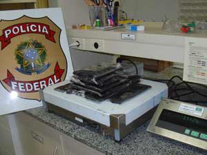 Cocaína apreendida em mala de empresário estrangeiro, no Recife