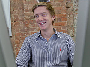 Chris Hughes, cofundador do Facebook, cria rede social para caridade Jumo. (Foto: Ángel Franco/The New York Times)