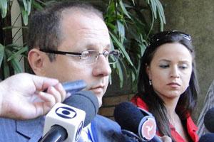 Ércio Quaresma na saida de julgamento na OAB-MG