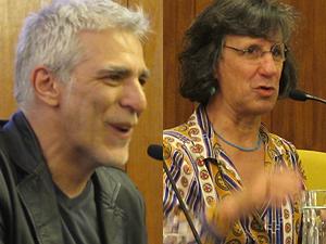 Angeli e Laerte, durante cerimônia póstuma que homenageou o cartunista Glauco como Cidadão Paulistano