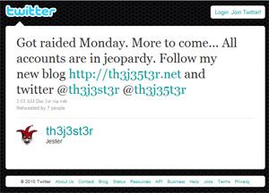 Post no serviço de microblog Twitter informa sobre a suposta prisão de Jester. 'Todas as contas estão comprometidas', disse.