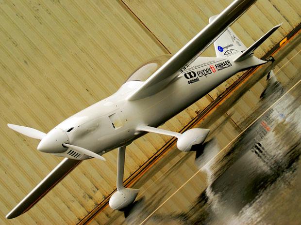 Avião construído pela UFMG vai tentar quebrar novo recorde
