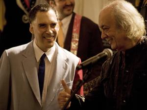 Arnaldo Antunes canta com Erasmo Carlos