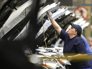 Produção de veículos e vendas devem bater novo recorde em 2011 (Foto: Reuters)