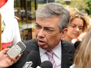 O senador Garibaldi Alves (PMDB-RN), que disse ter sido convidado por Dilma Roussef para assumir o Ministério da Previdência