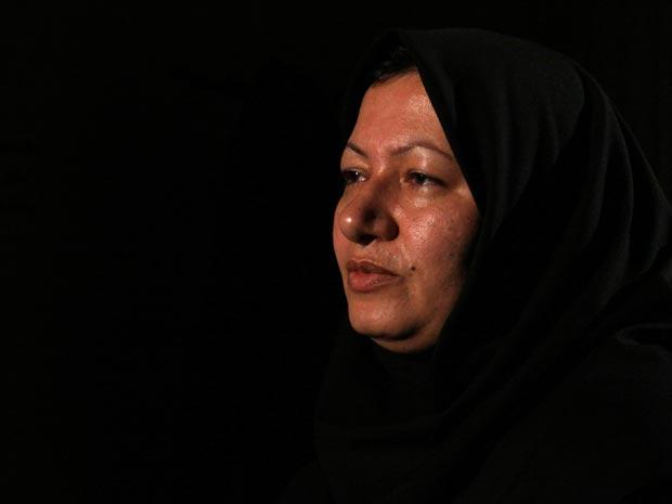 Suposta foto de Sakineh Mohammadi-Ashtiani, condenada a apedrejamento que teria sido libertada, segundo informações não-oficiaisa