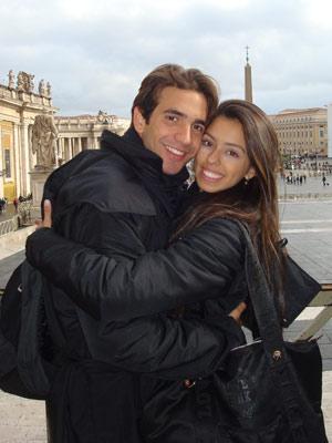 O casal de namorados Erick, de 20 anos, e Bruna, de 19