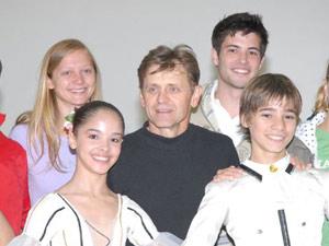 Jovani com o bailarino Mikhail Baryshnikov, um dos principais nomes da dança no mundo, durante evento em Joiville em 2007