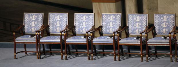 Cadeira vazia (segunda a partir da esquerda) representa a ausência de Liu Xiaobo da premiação desta sexta-feira (10) em Oslo, na Noruega.