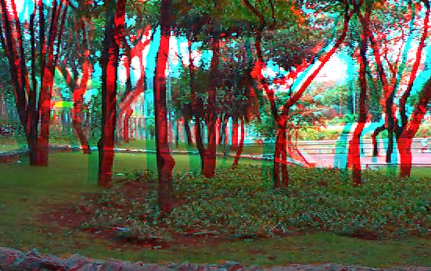 Praça filmada em 3D com a Aiptek i2.