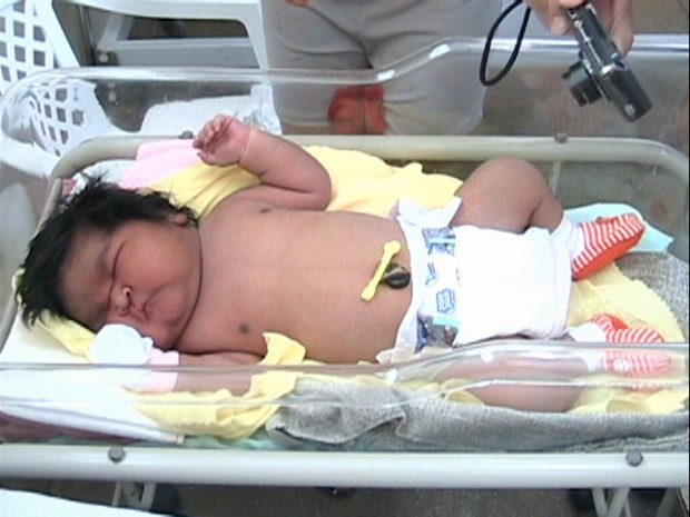 Menina indígena nasceu com 7,1 quilos no Amazonas