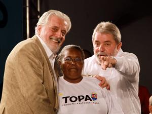 Presidente Lula e o governador da Bahia, Jaques Wagner, durante cerimônia de formatura doTodos pela Alfabetização (Topa) 2009/2010 e homenagem multicultural ao Presidente da República