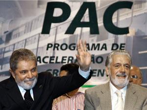 O presidente Lula e o governador Jaques Wagner em Ilhéus (BA), durante cerimônia de cerimônia de lançamento das obras da Ferrovia da Integração Oeste-Leste