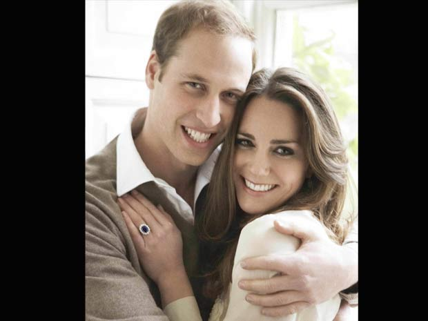 O prícipe William e sua noiva, Kate Middleton, em fotografia oficial do noivado