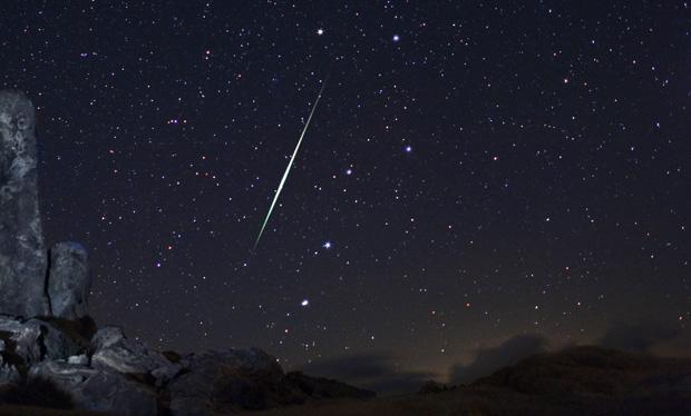 Chuva de meteoros está associada à larga trilha de destroços deixados pelo asteroide 3200 Phaethon