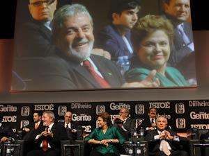Lula e a presidente eleita, Dilma Rousseff, durante evento em São Paulo