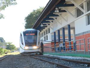 Moradores e turistas podem visitar o protótipo do VLT de Macaé na Estação Central