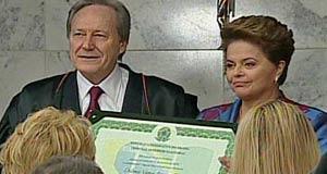 Dilma e Temer são diplomados presidente e vice (Reprodução/Globo News)