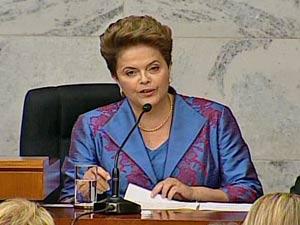 A presidente eleita, Dilma Rousseff, discursa após receber o diploma do TSE