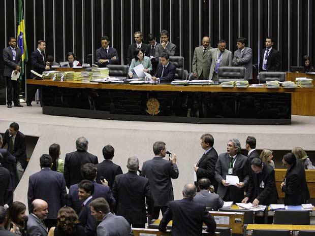 Sessão do plenário do Congresso para votar o Orçamento 2011, no plenário da Câmara, em Brasília