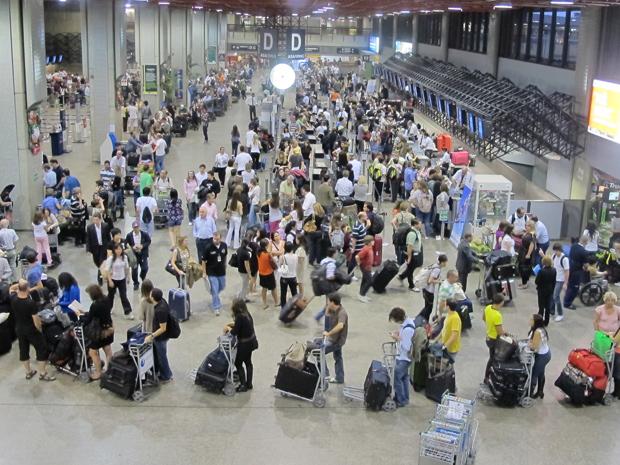 Resultado de imagem para saguão do aeroporto de guarulhos