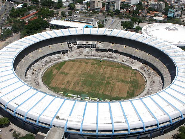 O Estádio Jornalista Mário Filho, mais conhecido como Maracanã, em obras: fechamento impossibilitou a realização do show de Paul McCartney na cidade
