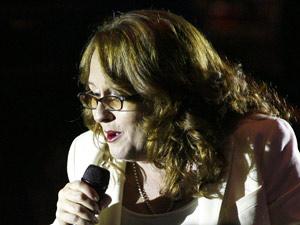 A cantora Teena Marie durante show em 2008